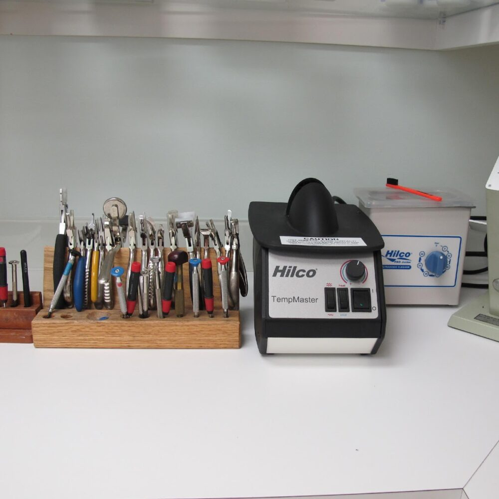 We have the tools to keep your spex spectacular.